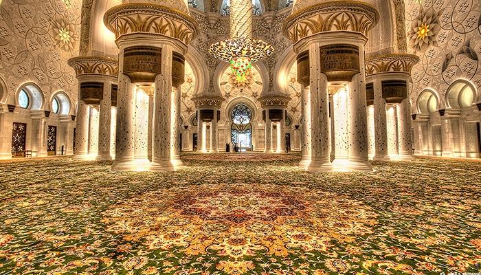 il tappeto più grande del mondo ad Abu Dhabi