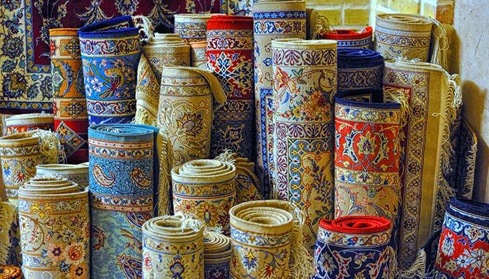 tappeti arrotolati conservazione